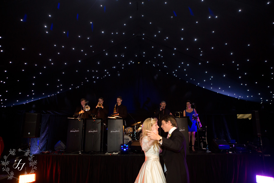 Home_marquee_wedding_111