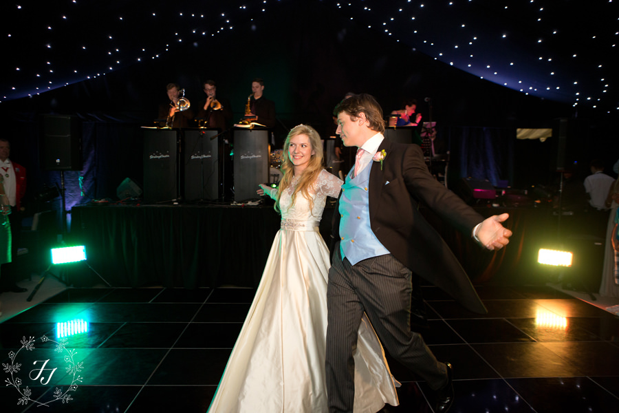 Home_marquee_wedding_112