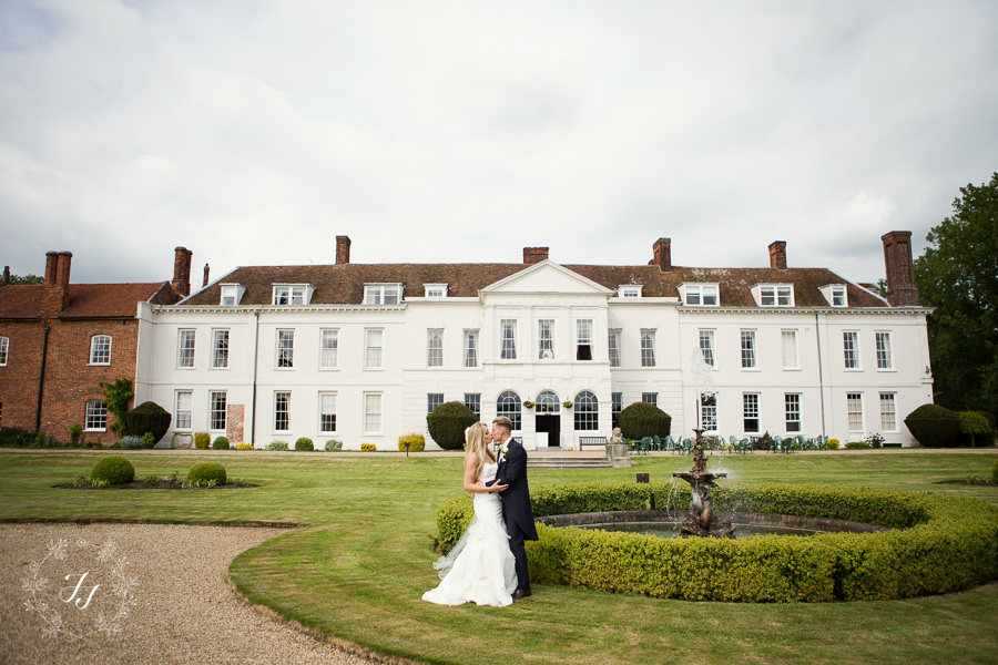 Gosfield_Hall_wedding_photography_078