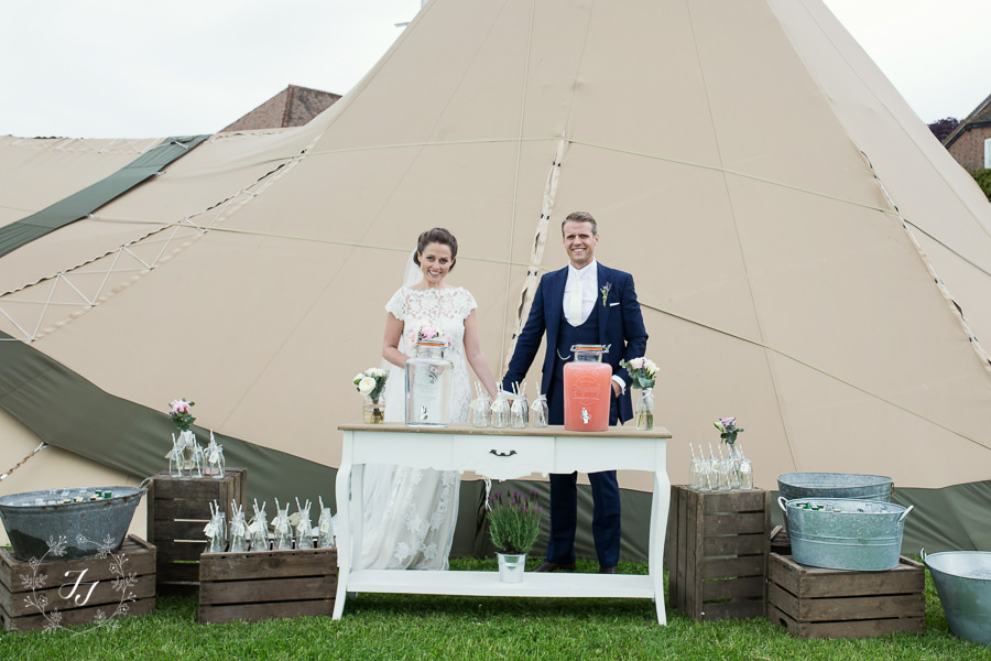 Tipi_wedding_in_vineyard_051