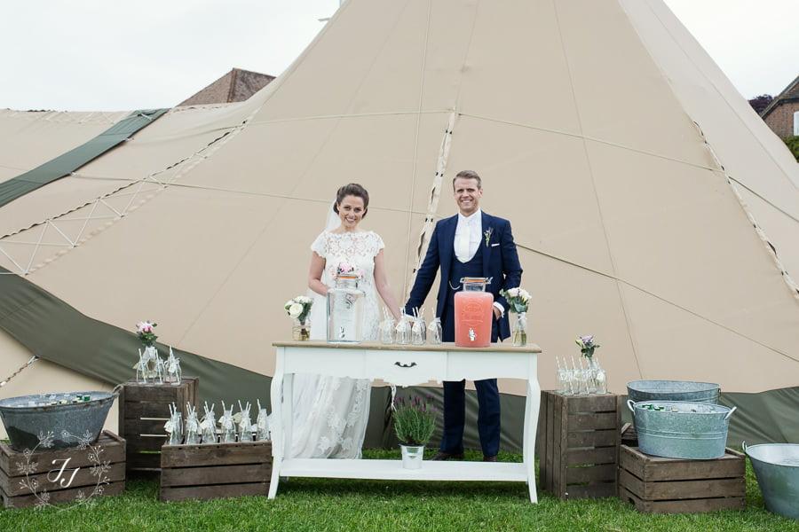 Tipi_wedding_in_vineyard_051