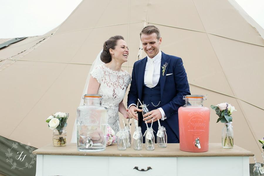 Tipi_wedding_in_vineyard_053