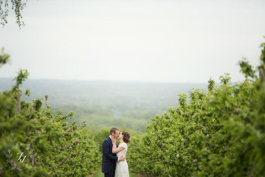 Tipi_wedding_in_vineyard_098