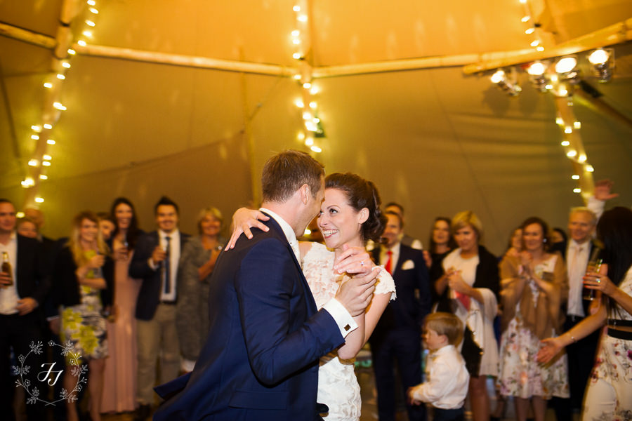 Tipi_wedding_in_vineyard_119