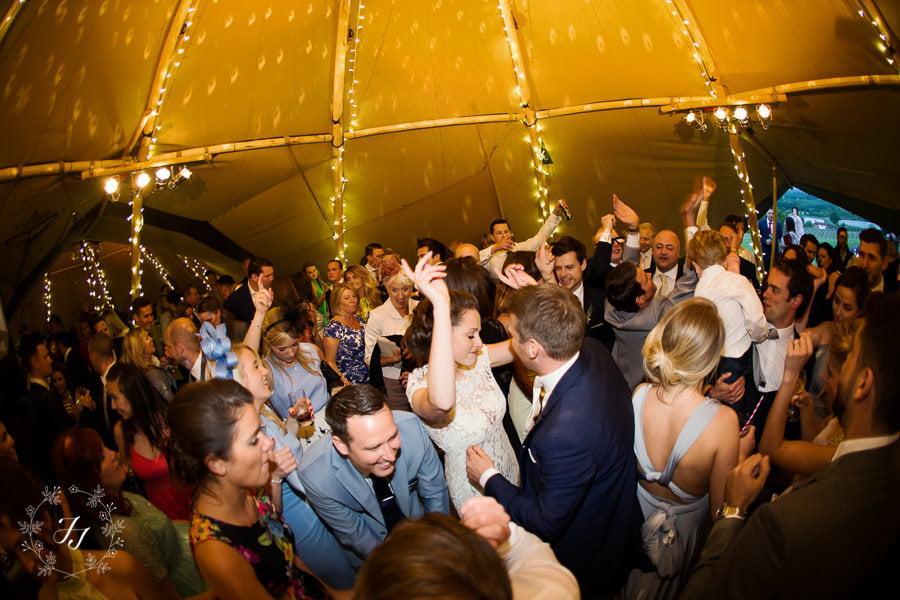 Tipi_wedding_in_vineyard_123