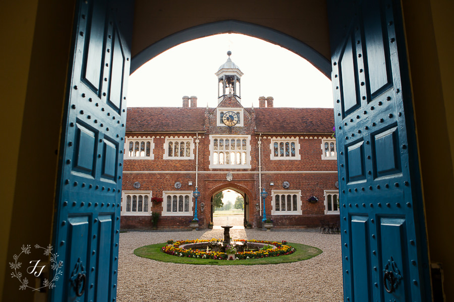 Gosfield_Hall_Wedding_Photography095
