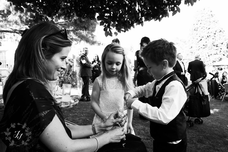 Mersea_Hall_Wedding_photographer_066