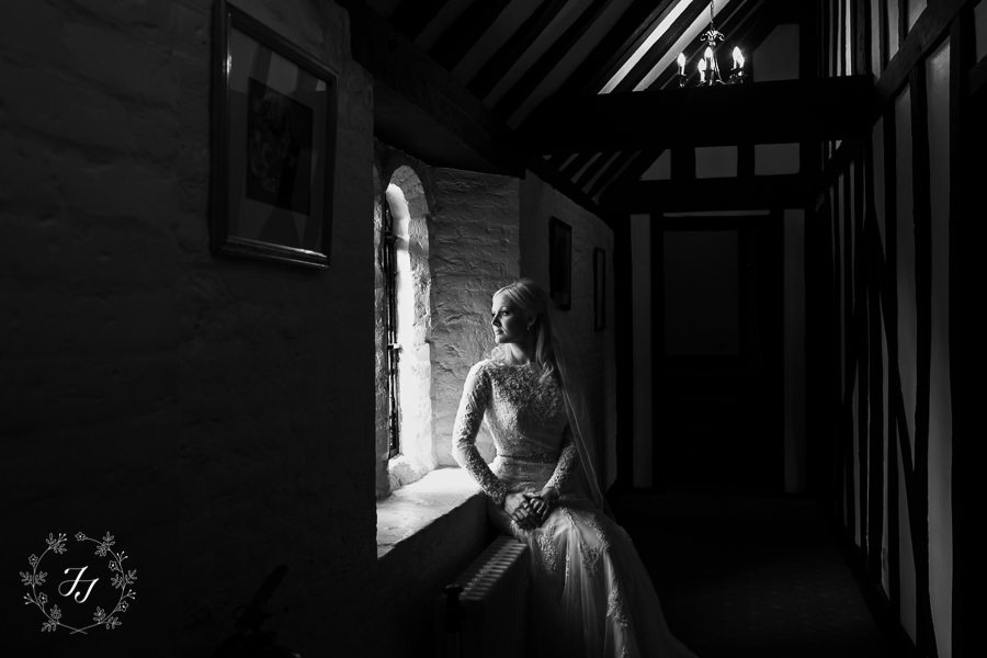 Caroline_Matthew_wedding_at_leez_priory_chelmsford_020
