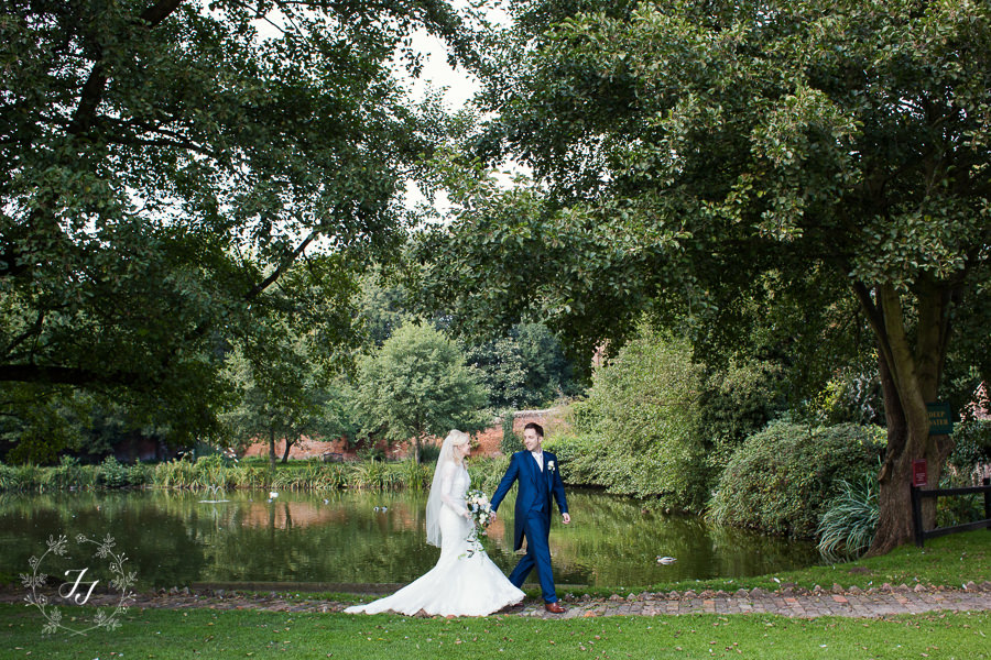 Caroline_Matthew_wedding_at_leez_priory_chelmsford_069