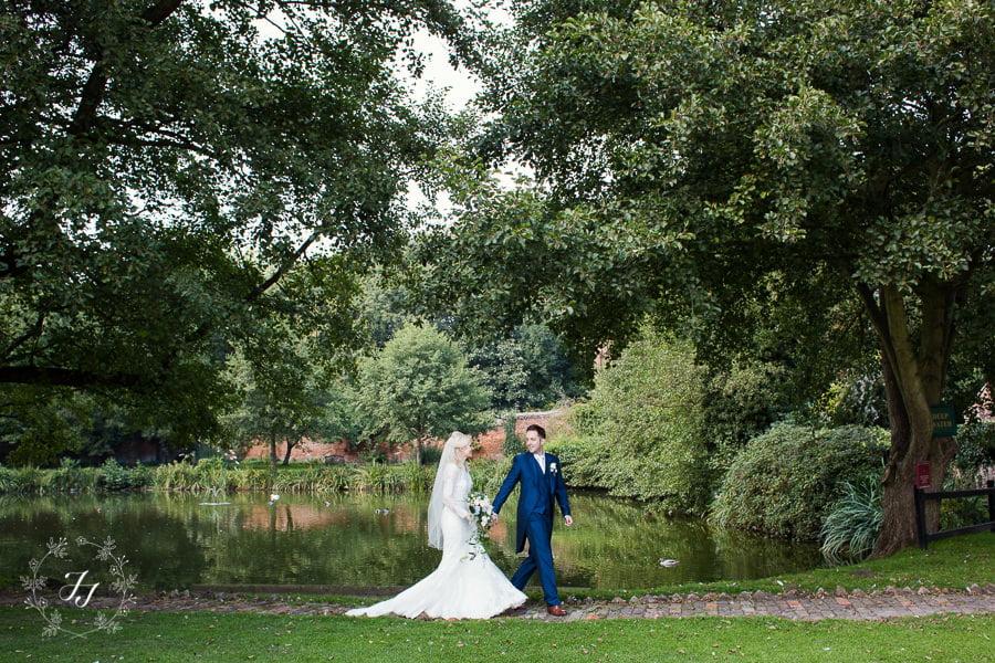 Caroline_Matthew_wedding_at_leez_priory_chelmsford_069