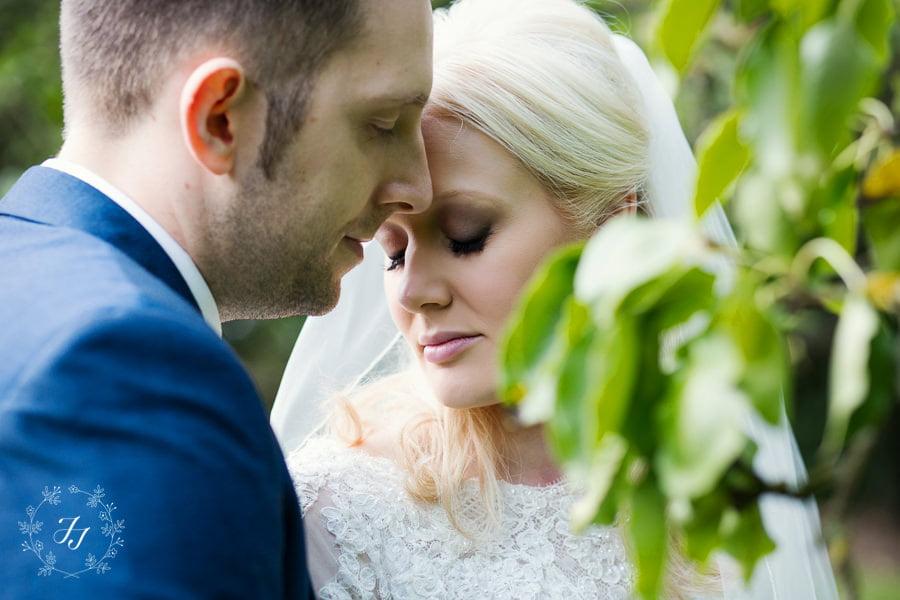 Caroline_Matthew_wedding_at_leez_priory_chelmsford_072