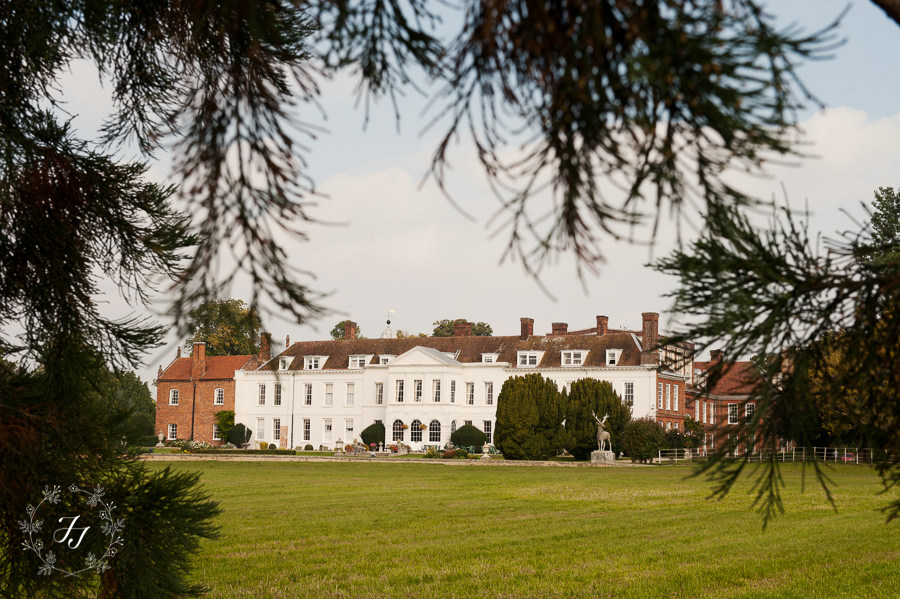 Lois_Graham_wedding_at_Gosfield_Hall_001