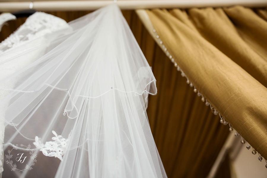 Lois_Graham_wedding_at_Gosfield_Hall_007