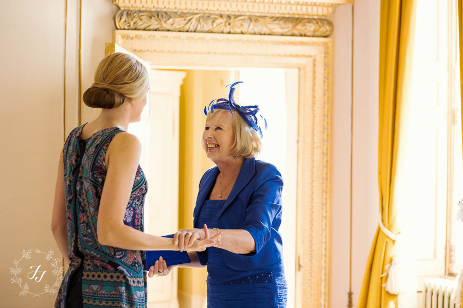 Lois_Graham_wedding_at_Gosfield_Hall_017