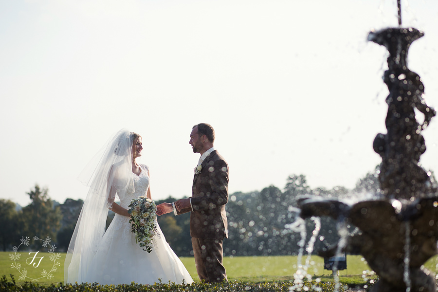 Lois_Graham_wedding_at_Gosfield_Hall_080
