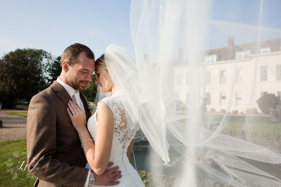Lois_Graham_wedding_at_Gosfield_Hall_081